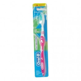 Oral-B Tooth Brush Pro Health - Gum Care Tooth Brush